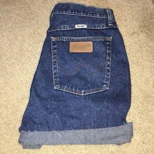 wrangler high rise boyfriend shorts!